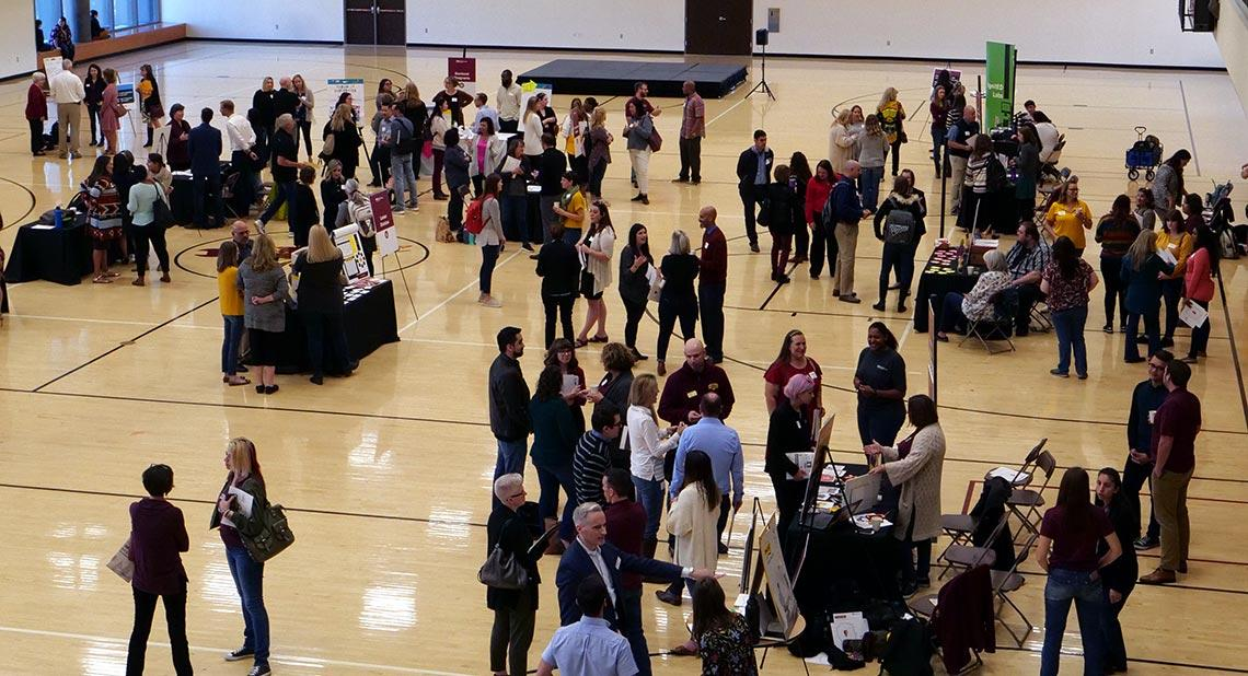 People mingling at Innovation Day 2020